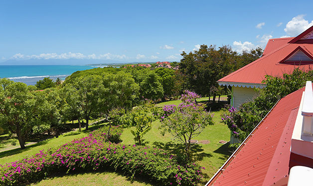 residence vacances les tamarins vue exterieure Séjour à Sainte Anne + location de voiture